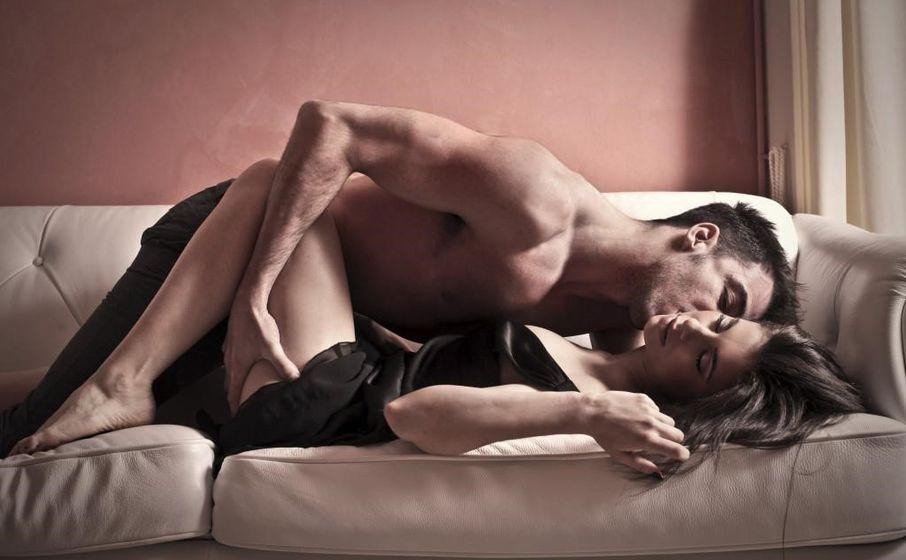 Пьяная девушка согласилась на секс с парнем 12 фото